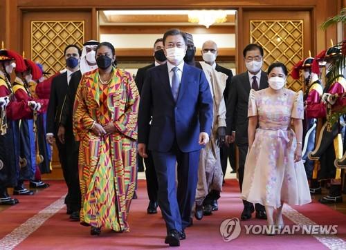 文在寅与新任驻韩大使