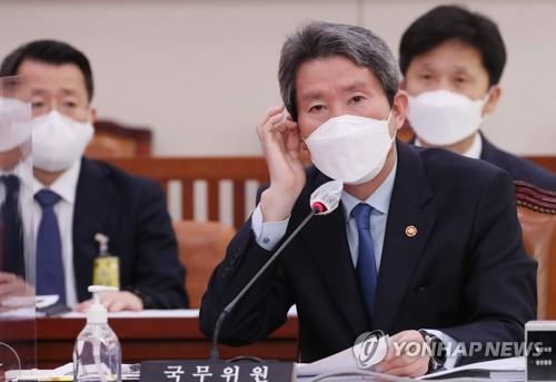 韩统一部长官强调韩朝需以对话解决朝方关切