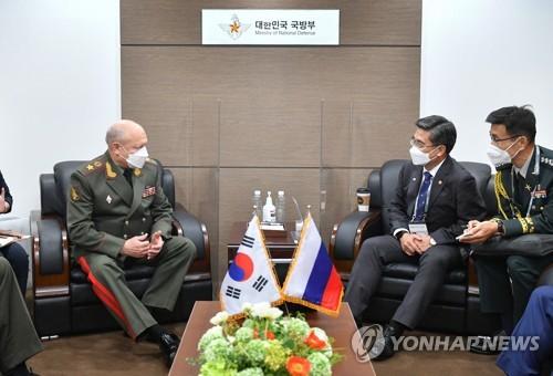 韩防长接见俄陆军总司令