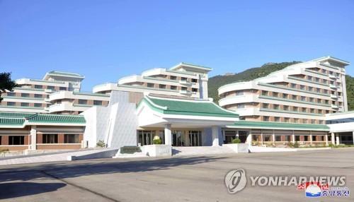 朝鲜正方山酒店竣工