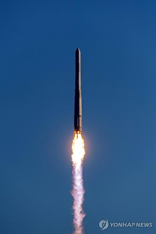 """详讯:韩国运载火箭""""世界""""号首发未能成功入轨"""