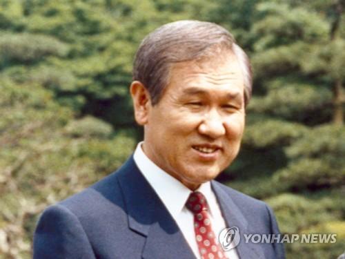 简讯:韩国前总统卢泰愚去世