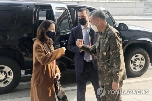 美国家情报总监海恩斯访问韩国防部情报本部